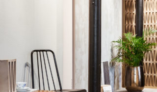 FagFlis Arkitektshowroom utstilling med store fliser på vegg