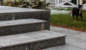 Frostsikre fliser utendørs i trapp