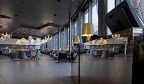 Store fliser til elegant design på hotell