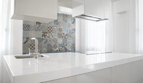Mønsterfliser til kjøkkenveggen, mix fliser med forskjellig mønster.