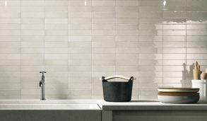 Klassisk lys veggflis til kjøkkenet i et rustikt miljø