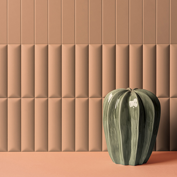 Buet veggflis i terracotta farge