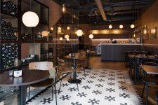 Magnum vinbar interiør flislagt gulv
