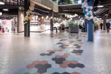 Herbarium kjøpesenter Stavanger med hexagon fliser på gulvet