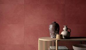 Røde fliser til gulv og vegg med matt overflate