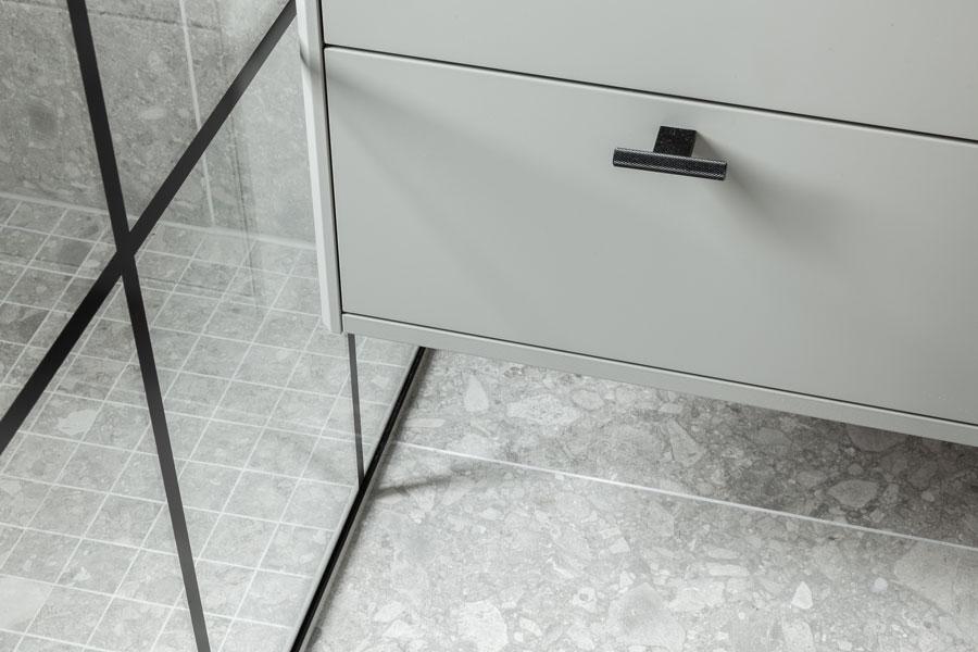 Detaljbilde av gulv med ceppoflisen Norr